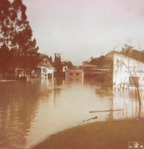 1983 - Curva frente a atual Lanchonete Catafesta.