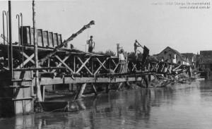 1955 – Construção da Ponte Carlos Schroder