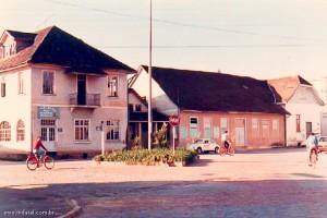 1987 – Hotel Hardt