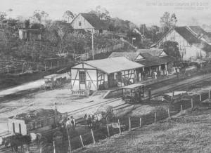 1926* – Primeira estação de trem